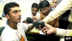 Yasir Hameed nói với tờ báo lá cái rằng các cầu thủ đã dàn xếp kết quả của gần như tất cả mọi trận đấu