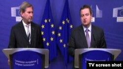 Ivica Dačić, ministar spoljnih poslova Srbije (desno) i Johanes Han, evropski komesar za pregovore o proširenju