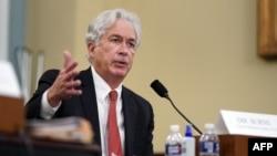 ARHIVA - Direktor CIA Vilijam Berns svedoči u američkom Kongresu (Foto: Al Drago /AFP)