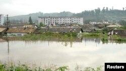 Puluhan ribu rumah dan bangunan lain termasuk sekolah-sekolah rusak atau hancur akibat banjir di Korea Utara (foto: dok).