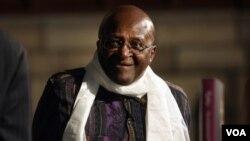 """Uskup Agung Desmond Tutu pada saat peluncuran buku autobiografinya """"Tutu: The Authorised Portrait"""" di Cape Town, Afsel. Tutu merayakan HUT ke-80 hari Jumat (7/10)."""