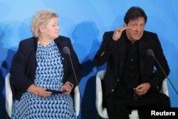 عمران خان آب و ہوا کی تبدیلی سے متعلق عالمی کانفرنس میں گفتگو کر رہے ہیں۔ 23 ستمبر 2019