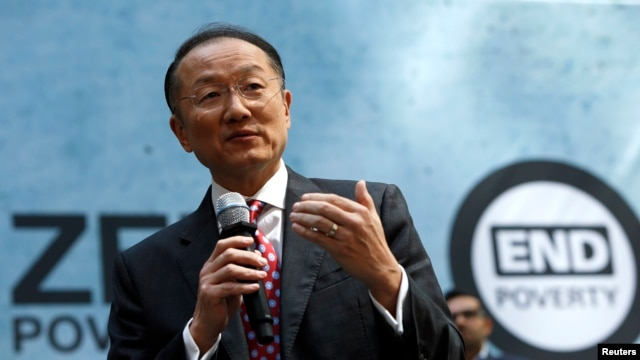 "World Bank Group President Jim Yong Kim addresses the crowd at a program for the ""EndPoverty 2030"" campaign in Washington, Apr. 10, 2014."