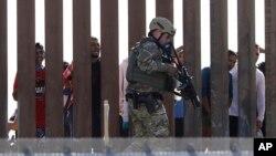ایالات متحده که برای جلوگیری از ورود مهاجرین مرز خود را با مکسیکو دیوار کشیده است، پیمان جدید ملل متحد را در تضاد با برخی پالیسی های مهاجرتی امریکا خوانده است