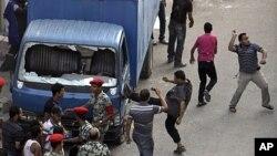 图为埃及民众7月6日示威的情景