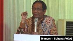 Prof. DR Mahfud MD. (Foto: VOA/Munarsih Sahana).