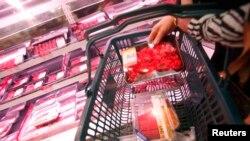 Ăn nhiều thịt đỏ như thịt bò, thịt heo làm tăng nguy cơ bị ung thư gan.