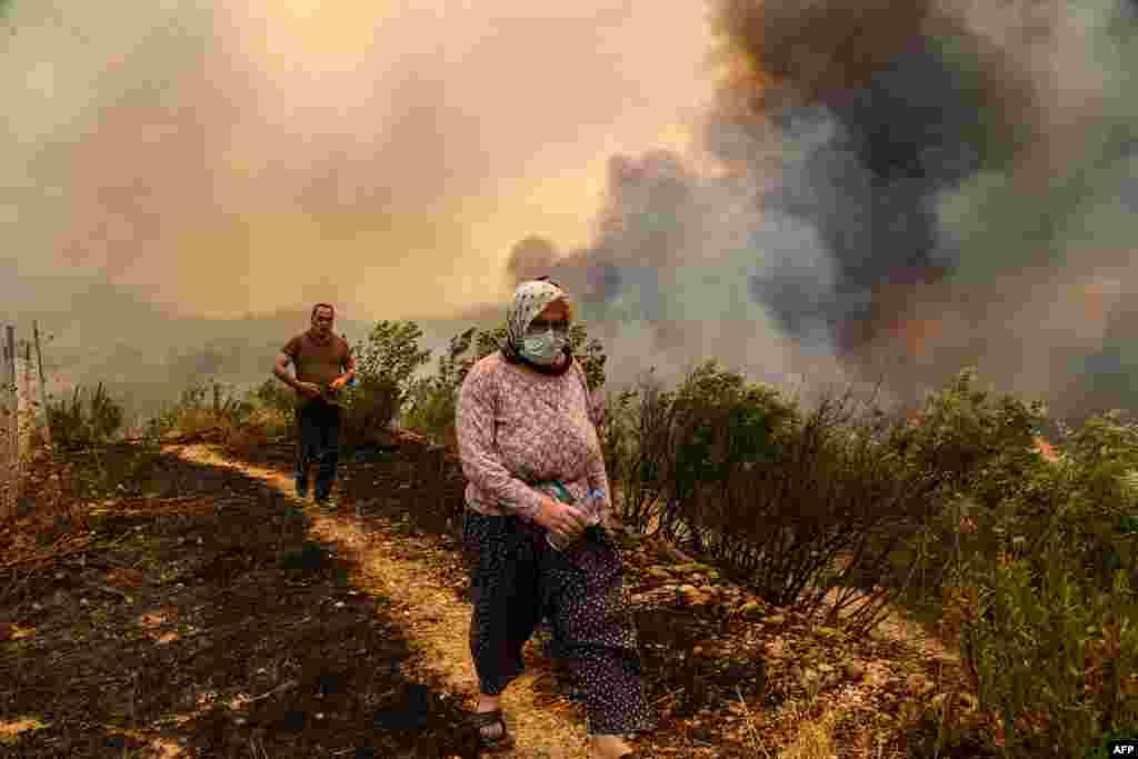 آگ اس قدر خوف ناک تھی کہ اس کے راستے میں آنے والی ہر چیز راکھ بن گئی۔