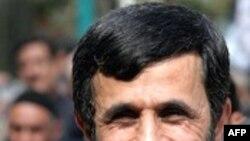 احمدی نژاد وزارتخانه های حساس نفت، کشور و اطلاعات را به نزديکان وفادار به خود سپرده است