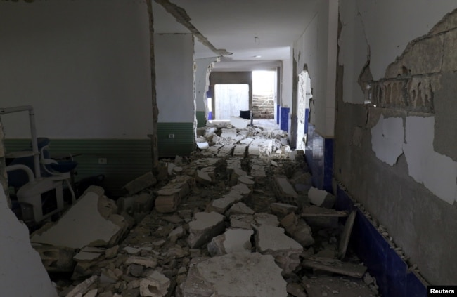A view shows the damage at a hospital after an airstrike in Deir al-Sharqi village in Idlib province, Syria, April 27, 2017.
