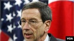Penasihat Departemen Luar Negeri Amerika, Robert Einhorn berada di Korea Selatan untuk mendesak diperketatnya sanksi atas Iran.