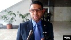 Anggota Komisi Hukum DPR RI, Nasir Djamil (foto: Fathiyah/VOA).