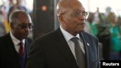 Le sud-africain Jacob Zuma arrive à une cérémonie, en Afrique du Sud, le 6 août 2017.