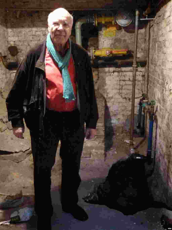Burkhart Veigel next to the tunnel, Nov. 5, 2014. (Henry Ridgwell)