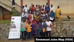 Des représentants des peuples autochtones du Cameroun, à Yaoundé, le 7 août 2019. (VOA/Emmanuel Jules Ntap)