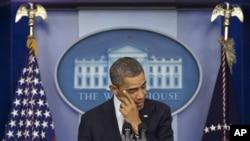صدر براک اوباما خطاب میں متعدد بار آبدیدہ ہوگئے