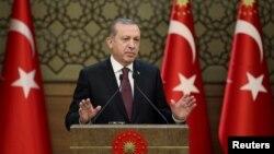 اردوغان میگوید که اسناد مبنی بر حمایت امریکا از داعش را در سوریه در دست دارد