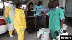 刚果医务人员2014年接受防止埃博拉病毒感染培训 - 资料照片
