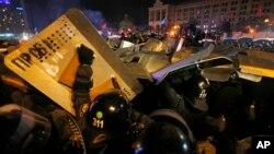 Площадь Независимости. Киев, Украина, 11 декабря 2013г.