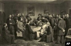 This 1875 lithograph by Alexander Hay Ritchie shows the dying president, surrounded by friends and acquaintances, including some of his cabinet members.