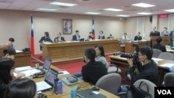 台灣立法院外交及國防委員會5月11號質詢的情形。(美國之音張永泰攝)