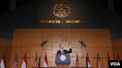 El presidente Barack Obama fue calurosamente recibido durante su discurso en la Universidad de Indonesia en Yakarta.