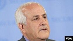 Utusan Palestina untuk PBB Riyad Mansour berbicara kepada media di markas PBB di New York (3/11).