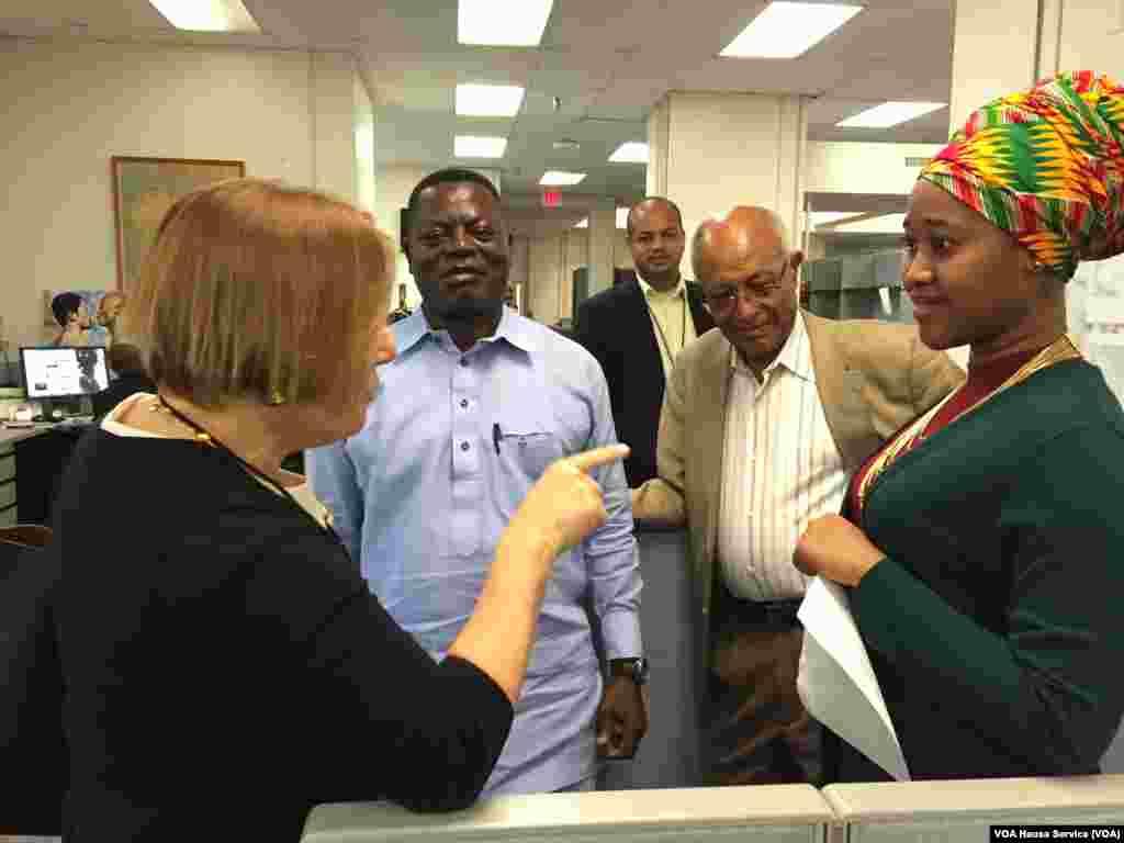 Sabuwar Direktar Muryar Amurka, Amanda Bennett, tare da Maryam Bugaje