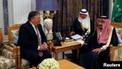 وزیرخارجۀ ایالات متحده امروز در ارتباط به قضیۀ ناپدید شدن خاشقجی با مقامات عربستان سعودی به شمول پادشاۀ آنکشور دیدار کرد