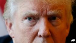 Donald Trump prometió nombrar a alguien para dirigir el Departamento de Veteranos cuya misión será limpiar la agencia.