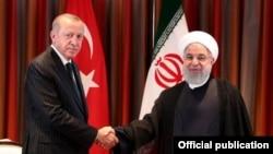 İran Cumhurbaşkanı Hasan Ruhani, Cumhurbaşkanı Erdoğan'ın davetlisi olarak yarın Ankara'ya gidiyor