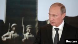 3일 몽골 울란바토르를 방문한 블라디미르 푸틴 러시아 대통령이 우크라이나 사태에 관해 발언하고 있다.