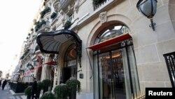 Hotel Plaza-Athenee di Paris, Perancis, 21 Januari 2021. (REUTERS/Philippe Wojazer)