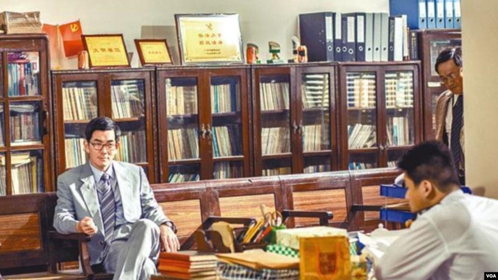 任賢齊、孫家棟主演的《樹大招風》內容涉及內地官員貪污(蘋果日報圖片)