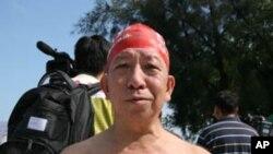 62歲的蔡先生認為渡海泳活動提升香港形象