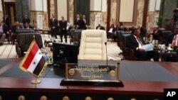 29일 시리아 사태 논의를 위해 아랍연맹 정상회의가 열린 가운데, 불참한 시리아 대표석.