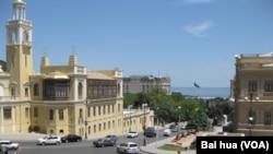 阿塞拜疆首都巴庫看不到蘇共領袖和蘇軍塑像 (美國之音白樺拍攝)