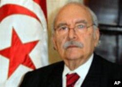 Spika wa baraza kuu la bunge Tunisia Fouad Mebazaa, aliyeapishwa kaimu rais wa nchi mjini, in Tunis, Jan. 15. 2011.