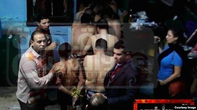 В Египте за гей-секс задержаны семеро молодых людей.
