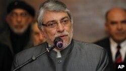 Casi desde el primer día que asumió el poder, el ex obispo católico Fernando Lugo enfrentó la amenaza de ser destituido.