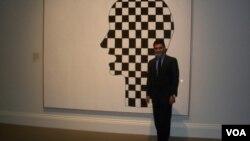 El coleccionista Xavier Equihua prestó el autorretrato del recordado pintor de Washington Gene Davis.