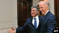 ABD Başkan Yardımcısı Joe Biden Ankara'yı ziyaretinde Cumhurbaşkanı Gül ile..