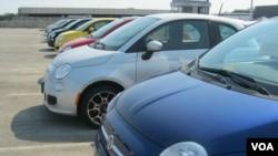 Salah satu produk industri Italia, mobil Fiat (foto: dok). Produksi Industri Italia meningkat jauh lebih tinggi dari perkiraan dalam setahun terakhir.
