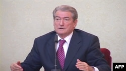 Kryeministri Berisha mirëpret rekomandimet e OSBE nga raporti final