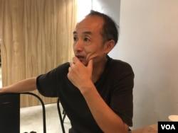 中国纪录片导演闻海(美国之音 陈筠摄)