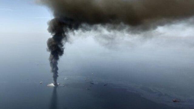 La explosión de Deepwater Horizon causó la muerte a 11 trabajadores y dejó escapar al mar más de 200 millones de galones de petróleo.