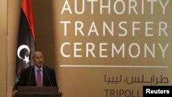 利比亞過渡委員會主席賈利勒在權力移交儀式上發言