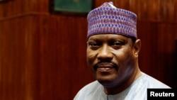 L'épouse de l'ex-président du Parlement nigerien Hama Amadou, suspectée dans le trafic des bébés, est en fuite en France