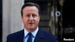 David Cameron devant le 10 Downing Street, Londres, Grande Bretagne, le 24 juin 2016. (REUTERS/Stefan Wermuth)
