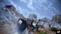 Palestine cho biết chiến dịch không kích và phản công trên bộ của Israel ở Gaza đã giết chết khoảng 1.600 người Palestine, hầu hết là thường dân và làm bị thương hơn 8.000 người khác.
